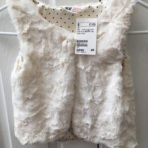 Girls faux fur vest new 6/7